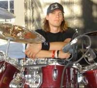 SIX FEET UNDER представили нового барабанщика